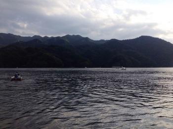 湖上.jpg
